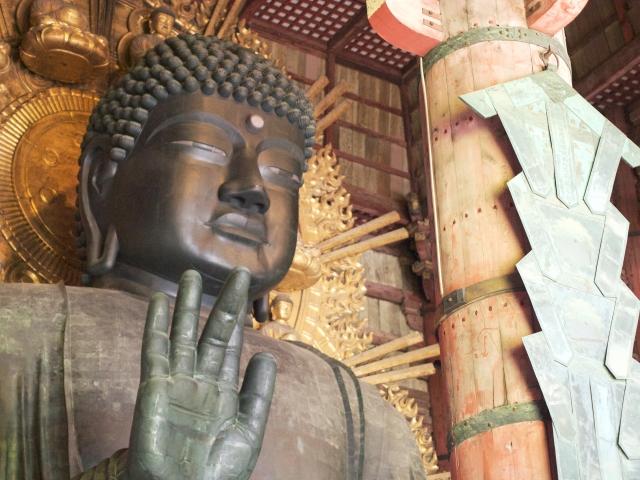 東大寺の大仏様アップ